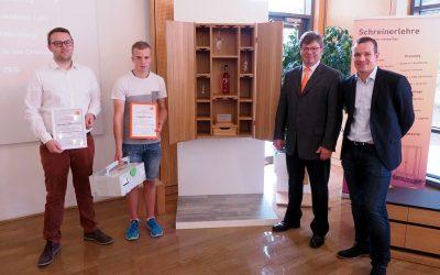 """Fa. Hermann ASAL GmbH prämiert Gewinner des """"Ortenauer Tischler-Schreiner-Preis"""""""